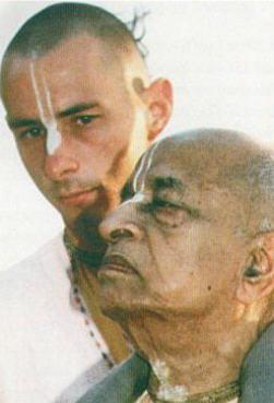 HH-Niranjana-Swami01
