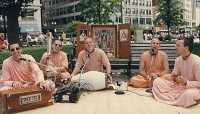 HH-Niranjana-Swami02